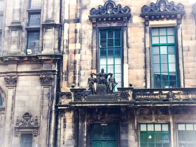Architecture Building Exterior Built Structure Window Statue Day Outdoors Sculpture City Low Angle View No People Eyeem Scotland  Edinburgh Old Town Buildings