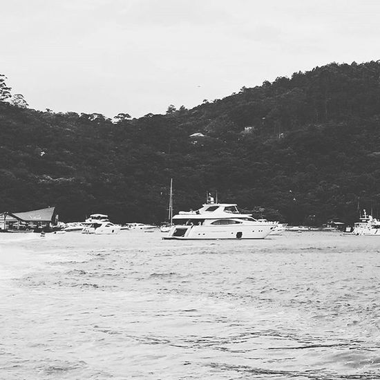 O mar 1. Vscocam Vscocambr Photography Blackandwhite Blackandwhiteseries Peb  Water Barcos Inspirationseries Lifestyle Instagram Instagrambrasil Instagoodmyphoto Peoplescreatives Exploretocreat
