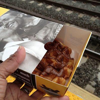 Good Morning!! Breakfast! #liegewaffle #nutella #startofmyday #startofmyworkweek Startofmyworkweek Startofmyday Liegewaffle Nutella