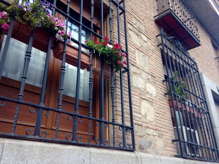 Building Exterior Built Structure Architecture Window City Residential Building No People House Outdoors Window Box Day Toledo Toledo Spain España