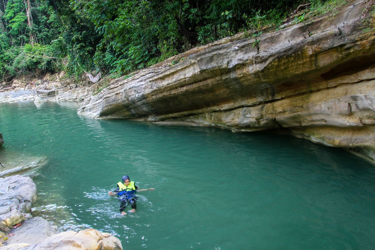 A peaceful place Nature Forest Photography Water Paddleboarding Full Length Men Extreme Sports Adventure Sport Scuba Diving Healthy Lifestyle Oar Rock Climbing Climbing Rope Climbing Mountain Climbing Climbing Wall