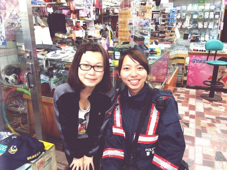 昨天認識的新朋友,小我一歲的女警唷👏🏻 警察 姐妹