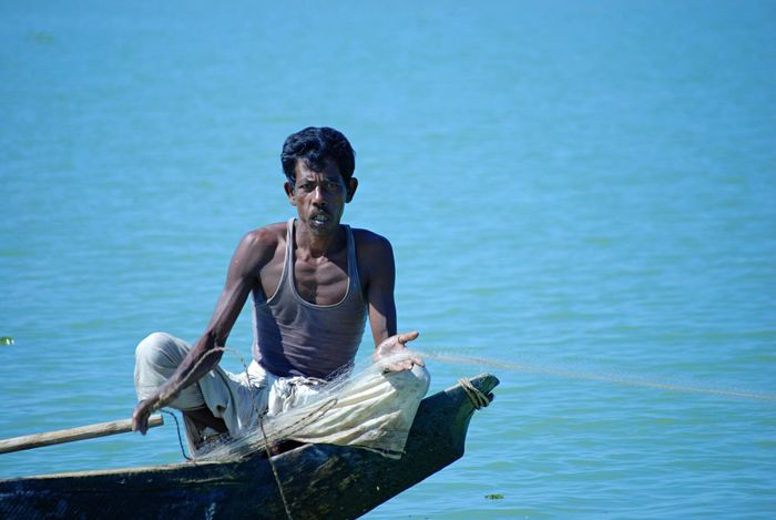Bangladesh Chittagong Hill Tracts Fisherman Working Hard Blue Lake Boat