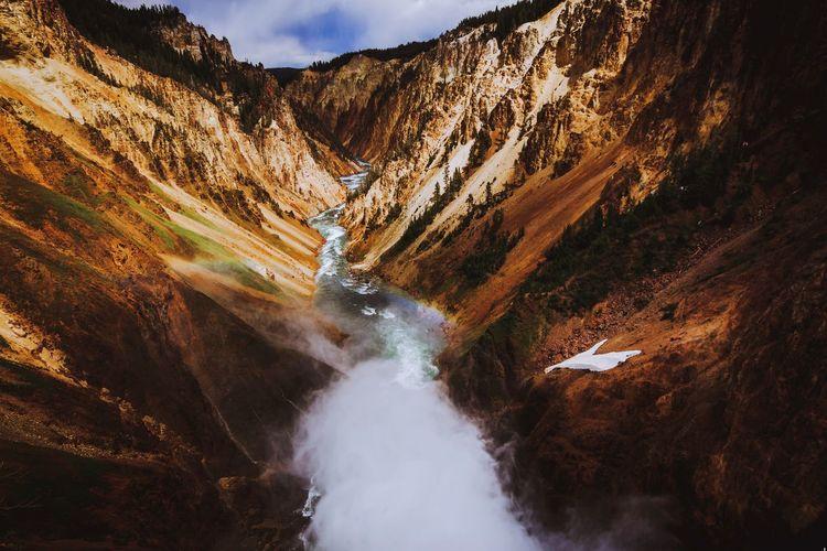 Yellowstone falls lookout