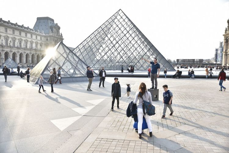 Louvre Built Structure Architecture City Tourism Outdoors Paris Piramide Piramid Musée Du Louvre Museum Architecture Cultures Modern Art City Travel Destinations History