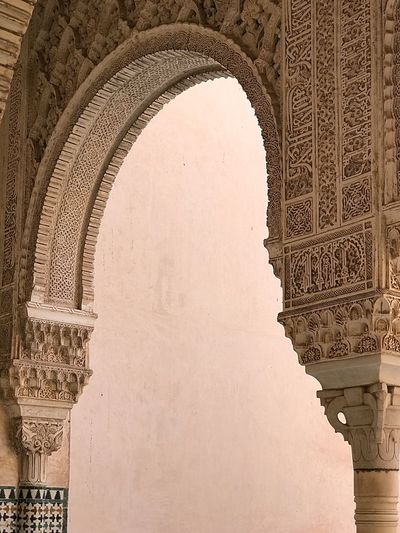 EyeEm Selects Arch Architecture Travel Destinations History Triumphal Arch Built Structure Tourism Travel Day Bas Relief Low Angle View Outdoors Old Ruin No People Alhambra De Granada  Alhambra Granada