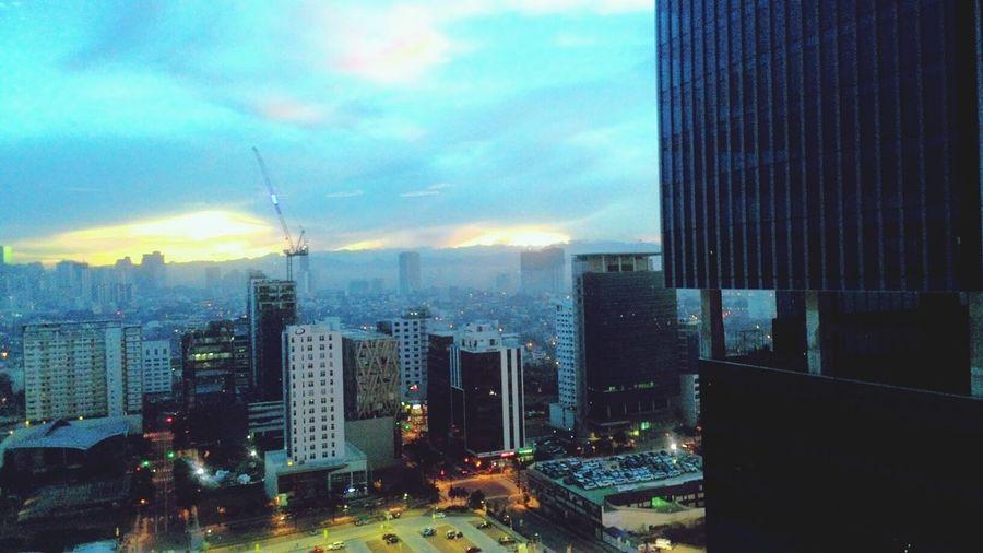 Breaking dawn.. 😁😍 Morning Dawn Sunrise Clouds Urban Cityscape Urbancity Buildings Sun Happymornings Mycity Mylife