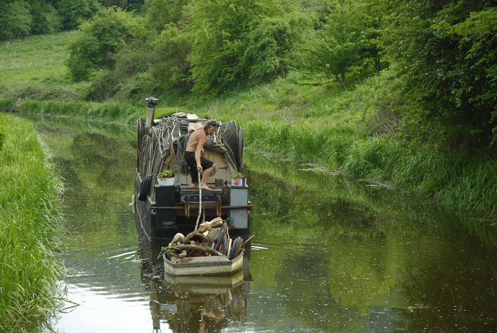 Alternative Lifestyle Beauty In Nature Bender Bender Boat Canals And Waterways England English Countryside Fuelless Kennet And Avon Canal Liveaboard Narrowboat Nature Off Grid Outdoors Real People Water
