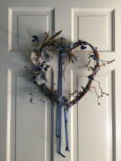 Blue ribbon & vine heart Still Life Photography Floral Design Blue Ribbon Heart Shape Heartshape Braided Wood Braidideas Wreath Of Flowers Wreath On Door