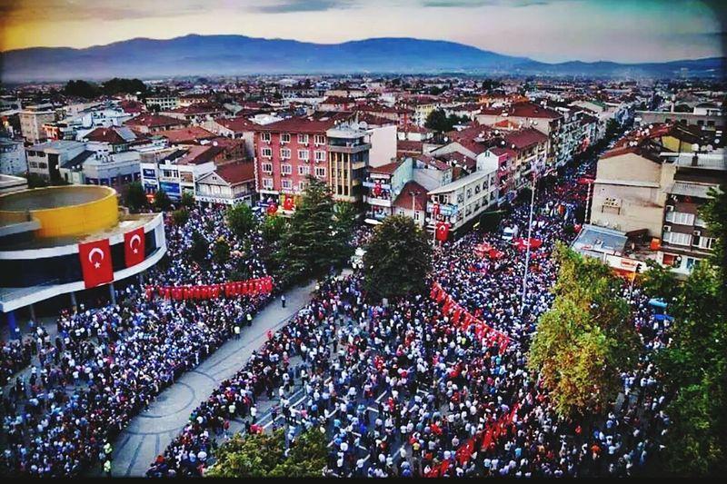 Bayrakları bayrak yapan üstündeki kandır, toprak eğer uğrunda ölen varsa vatandır! ToprDüzce şehitler ölmez Vatan Bölünmez Birölürbindogariz Nuriçindeyatşehidim Turkey