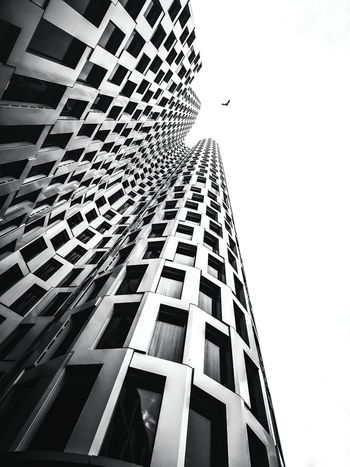 EyeEm Best Shots Eye4photography  The Week on EyeEm Shadows & Lights Architectural Column EyeEm Gallery Eye4photography  EyeEm Selects City Skyscraper Modern Architecture Building Exterior Sky Built Structure Office Building Tower Infrastructure Skyline Tall Building Cityscape Downtown The Architect - 2018 EyeEm Awards