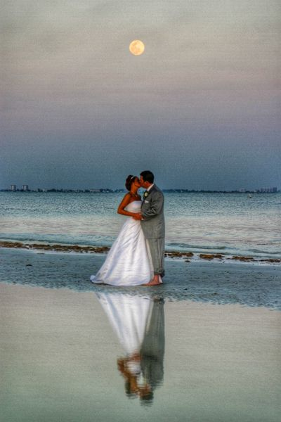 Wedding Wedding Photography Kiss Reflection Mirror Bride Capture The Moment Fort Myers Beach Florida Photos That Will Restore Your Faith In Humanity