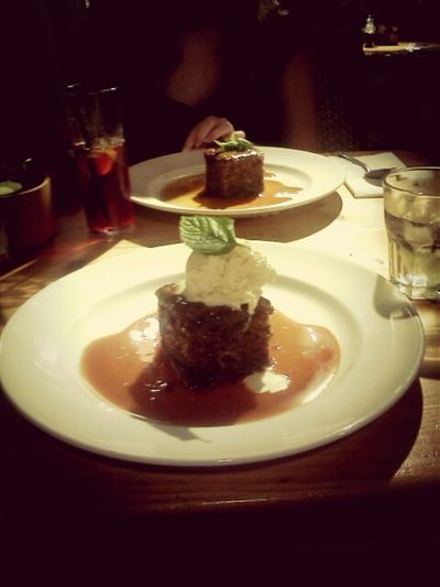 Dinner, sticky toffee pudding and catch up with Amy Food