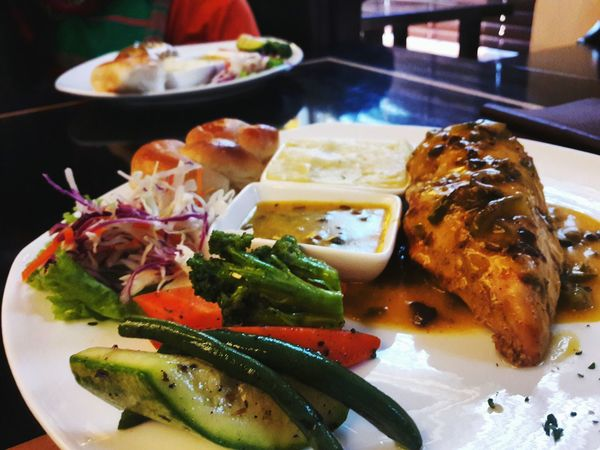 EyeEm Best Shots Lunch Food Porn Awards Food Photography Eating Out EyeEm Masterclass Veggies Chicken Steak Platter With Friends Fun Time