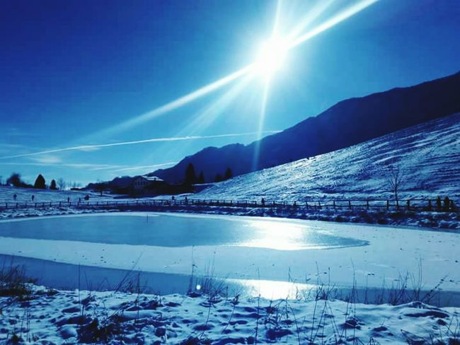 Paesaggio invernale Inspiration Wildnature Panorama Inspired Snow Winter Cold Temperature Reflection Beauty In Nature Scenics Nature Mountain Frozen Lake