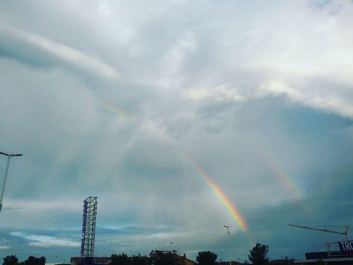 Rainbow Arcobaleno  Sky Nature Day Treviso Solocosebelle Colori Adoro Goodday Trevisocity Hello World Natura Luci E Colori Natural Phenomenon Beauty In Nature