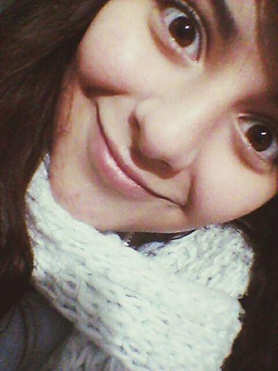 ella solo era rubia porque a el le gustaba, ella estaba enamorada de su corazon y el de su rostro.