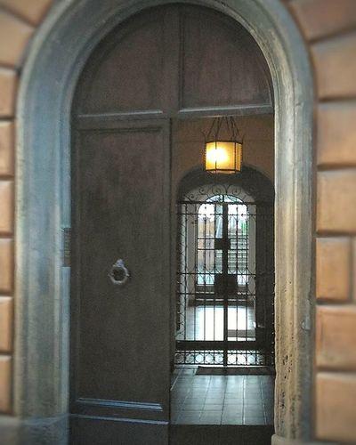 Siena Perspective Door Tuscany Particolare Doors Wonderful Likers Likeforlike Wonderful_places Italy Followme Instapic Instagram Instapic Ig_siena Vivoinunpostobellissimo