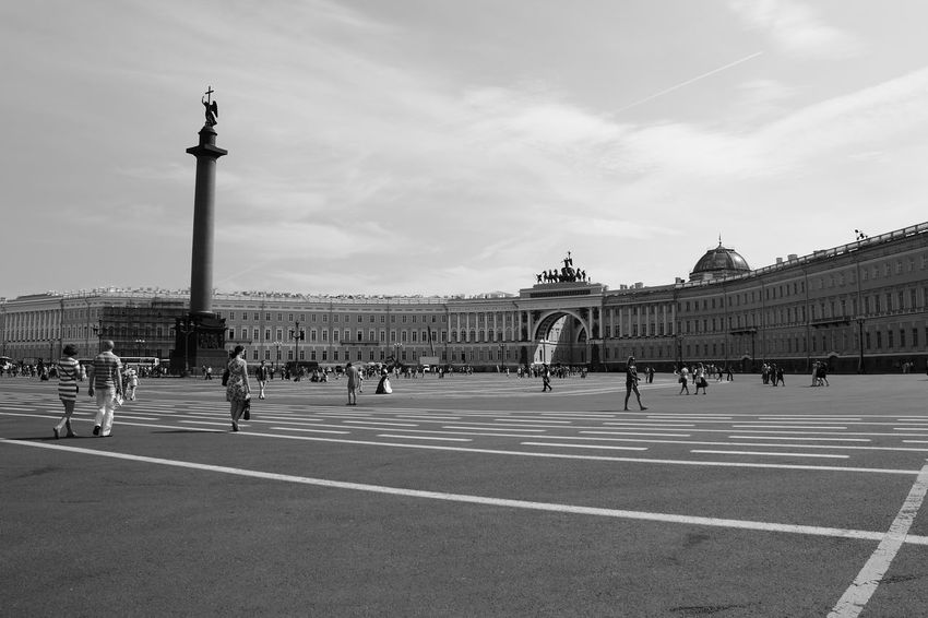 Architecture Black And White Blackandwhite Building Exterior Built Structure City City Gate Column Crowd Exploration Explore Eyeemblack&white History Large Group Of People Monochrome Monochrome Photography Outdoors Real People Russia Saint Petersburg Square Statue Tourist Travel Destinations Urban