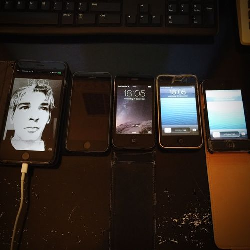 5 generations IPhone from Ipodtouch to Iphone3gs to IPhone4s to Iphone5s to Iphone6plus Historical Rare