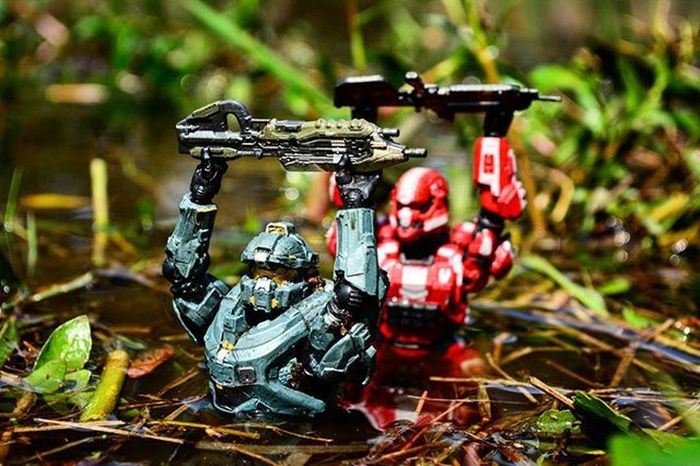 """""""On top of not learning how to swim, our guns can't get wet either.""""~Spartan Frederick Toyonlocation Toy_realism Toy_nerds Halo Halo5 Halo4 Unsc SpartanSoldier Videogames Spartanfred Toyoutsiders Toptoyphotos Toydiscovery Toycrewbuddies Toycommunity Comiccon Epictoyart Wheretoysdwell_photofeatures Pensacola_toynerds Military War Warzone Toddmcfarlane Mcfarlanetoys Weapons toy_epic ata_dreadnoughts _tyton_"""