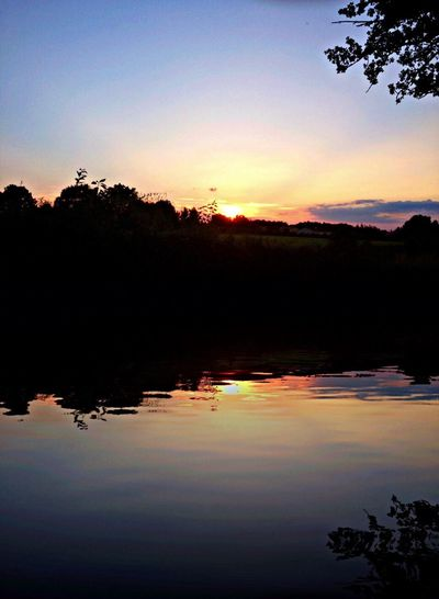 Water Reflections Night Enjoying The Sun Nature