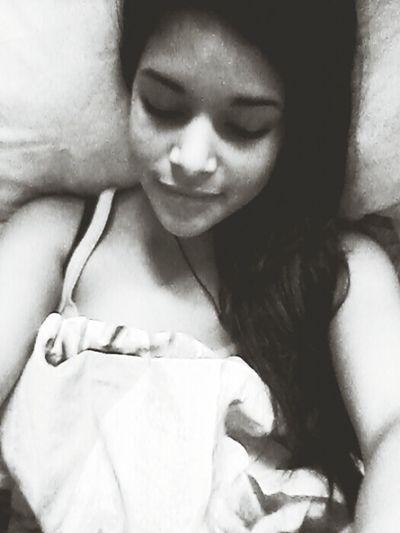 jutro<3 Nomakeup Relaxing Laying In Bed