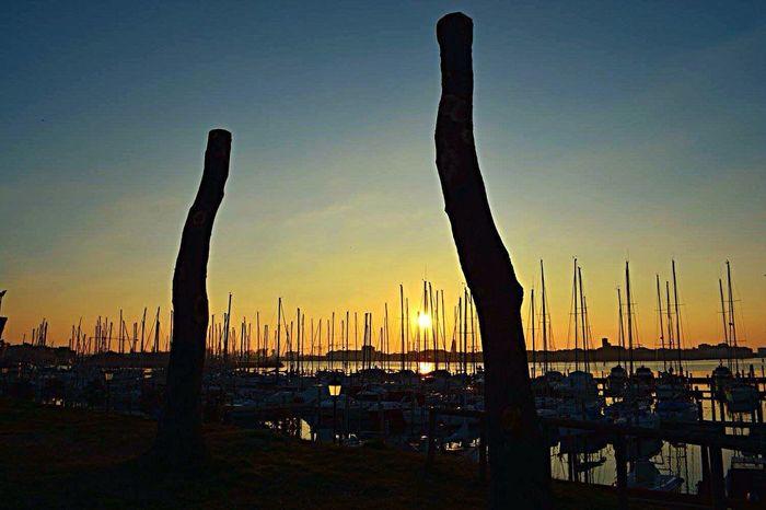 Porto di Sottomarina Sottomarina -Chioggia Mare Sea Cielo Sky Tramonto Tramonti_italiani Sunrise Sunrise_Collection Sunrise Silhouette Sky_collection Skylovers Sky And Sea Veneto Italia Italy