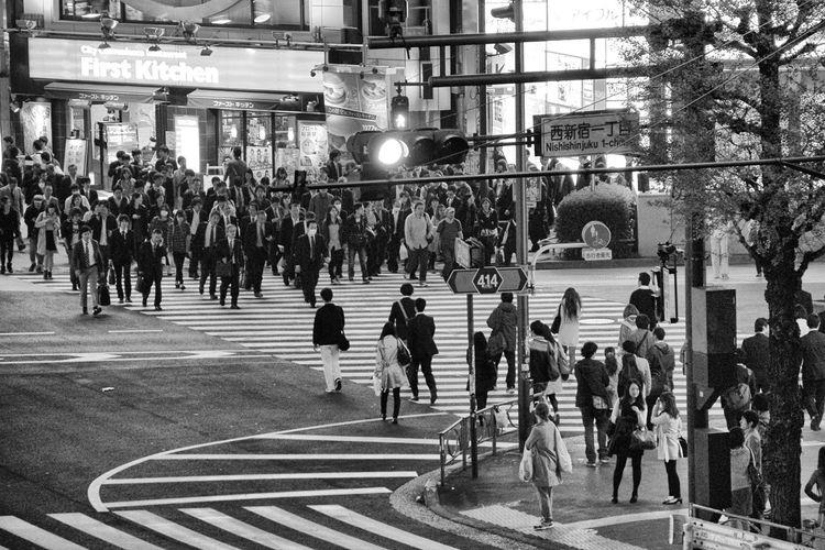 Hanami Japan Kimono Sakura Shinjuku Tokyo Tokyo Night Tokyo Street Photography Tokyo,Japan Ultimate Japan Holiday Japan Scenery Travel Street Photography Streetphotography SHINJYUKU Harajuku