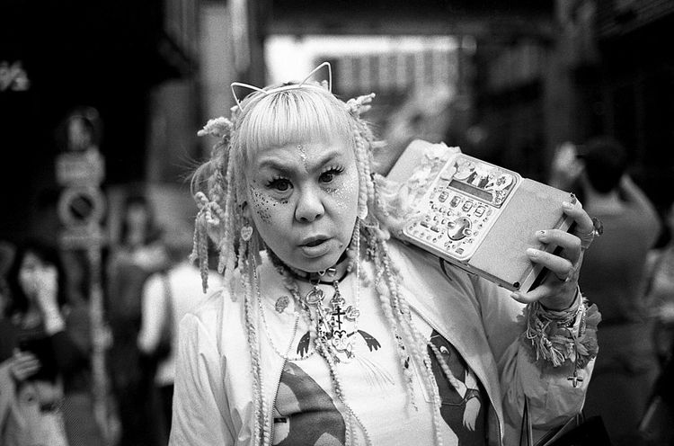 The Portraitist - 2016 EyeEm Awards The Street Photographer - 2016 EyeEm Awards Streetphotography_bw Popular Photos Monochrome Street Photography Japan Street Life Tokyo From My Point Of View Tokyo Street Photography Up Close Street Photography People Street Streetphotography Film 35mm Film