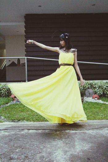 Model Yellow Teen Asian