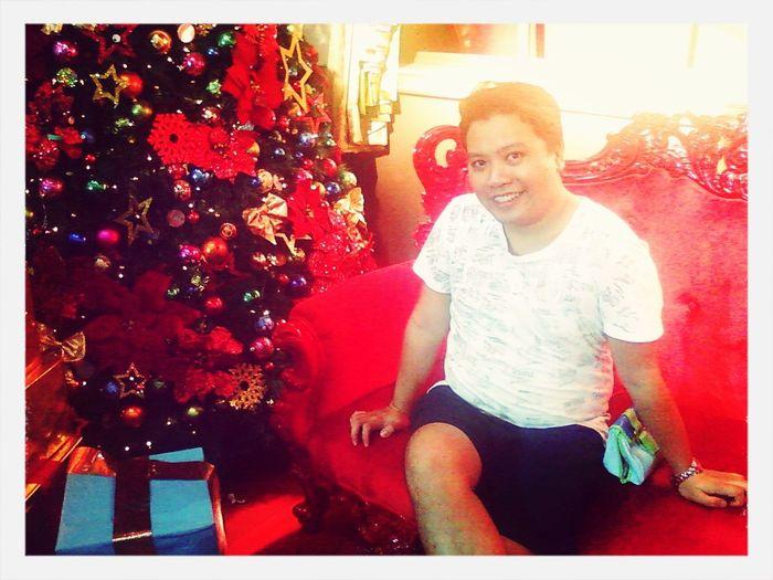 Merry Christmas ang peg kht mgreklamo tau maxado mabilis ang araw eh hindi din naman babagal....