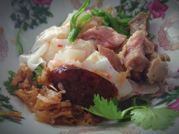 ก๋วยเตี๋ยวหลอด Noodles Food Food And Drink Ready-to-eat Plate Indoors  Serving Size Freshness