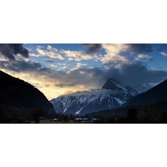 翻到旧照片 去年去西藏的照片吧 备注打着林芝 很怀念的感觉 暑假川藏 可以试试的感觉 D800 西藏 林芝