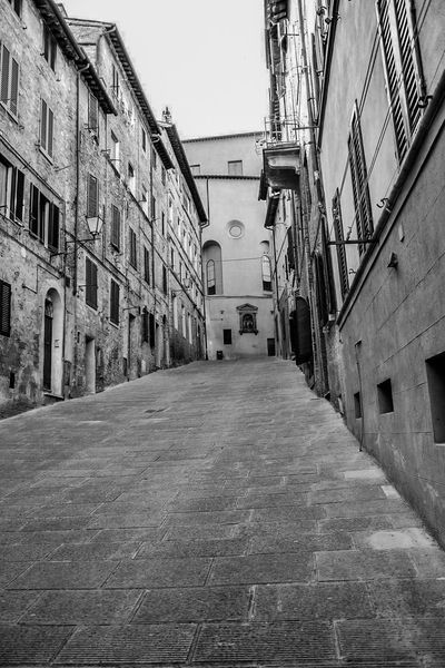 Architecture Building Exterior Built Structure The Way Forward Street Window City Diminishing Perspective Day Narrow Residential District Paving Stone City Life No People