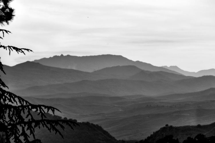 a perdita d'occhio B/w Desert Horizon Over Land Montagne Paesaggi Remote Tranquil Scene Tranquility