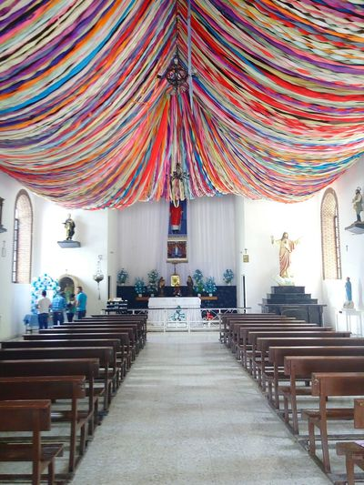 Casa Madero´s Church Church Indoors  Day Live For The Story Place Of Heart Symmetry Jesus Colors Ceiling Design Ceiling Art No People Parrasdelafuente Coahuila, México Mexico