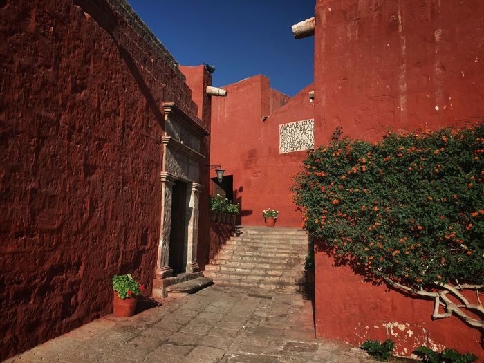 Monasterio de Santa Catalina Travel Traveling IPhone Peru Andes Convent Monastery Nunnery Arequipa Red Orange