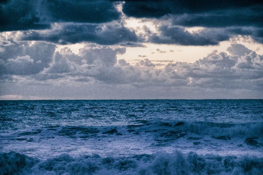 Beauty In Nature Grainy Grainy Effect Horizon Over Water Nature No People Sea Sky Water Wave Shades Of Winter