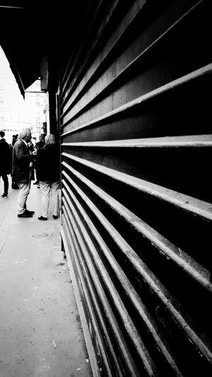 Rue Chaptal Streetphotography Paris Talkinginthestreet Causette Dailytrip Trajetquotidien