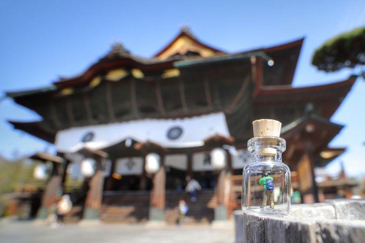 初参拝の瓶中カメラマン📷🚶 中華レンズ Wide Macro 善光寺 (zenko-ji Temple) City Sky Close-up Architecture Building Exterior Built Structure