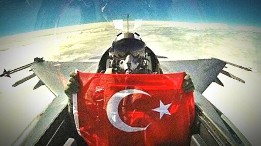 Mehmetcik Sehitler ölmez Vatan Bölünmez AL SANCAK