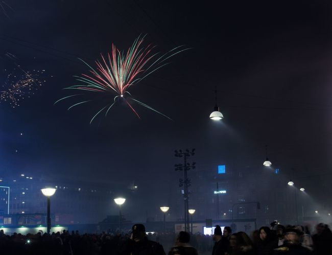 The first time i have photographed fireworks with manuel settings. In the next couple of days I will share some of the pictures, to see peoples reactions, and get a felling of how good I am with these pictures. Firework Fireworks NewYear New Year 2017 Fireworks New Year 2017 Copenhagen Copenhagen Denmark København København (copenhagen) Copenhagen Town Square Town Square Københavns Rådhusplads Rådhuspladsen Rådhuspladsen København Night Shutterspeed Long Shutter Speed Long Shutter Time Shutter Time Night Celebration Event Crowd Firework - Man Made Object Large Group Of People People Low Angle View Outdoors Multi Colored City