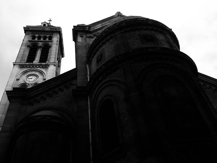 Low Angle View Architecture Religion Building Exterior Built Structure Spirituality Place Of Worship Outdoors Day No People Sky B&w Church