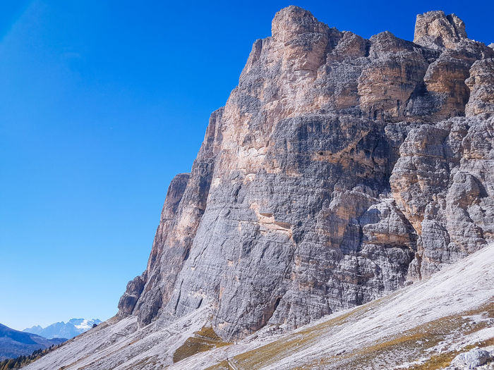 Autumn colours in the Dolomites, Italy Autumn Autumn colors Mountains Clear Sky Mountain Blue Sky Mountain Peak Mountain Ridge Mountain Climbing Mountain Range Hiker Rock Climbing Rocky Mountains Rock Formation