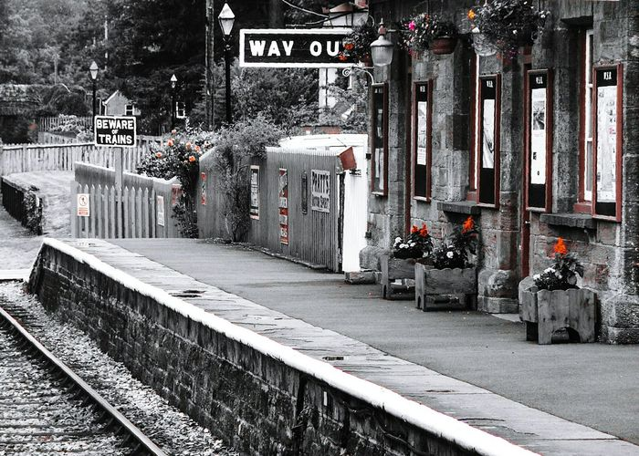 Carmine Filter Summer Memories 🌄 Black And White With A Splash Of Colour Railway Station Bishops Lydeard Uk Relaxing Taking Photos Transportation