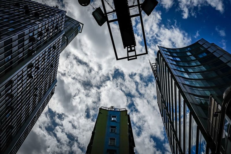 lookup clouds Discoverhongkong Leicaq Clous Beautiful Amaging Awesome Landscape_Collection Walking Around From My Point Of View Landscapes Moments Of Life EyeEmNewHere Life In Motion Travelling Photography Taking Photos EyeEm Masterclass EyeEm Gallery Undersurface Hello World Mystyle Cityscape Reflection HDR City Life Streetphotography Street