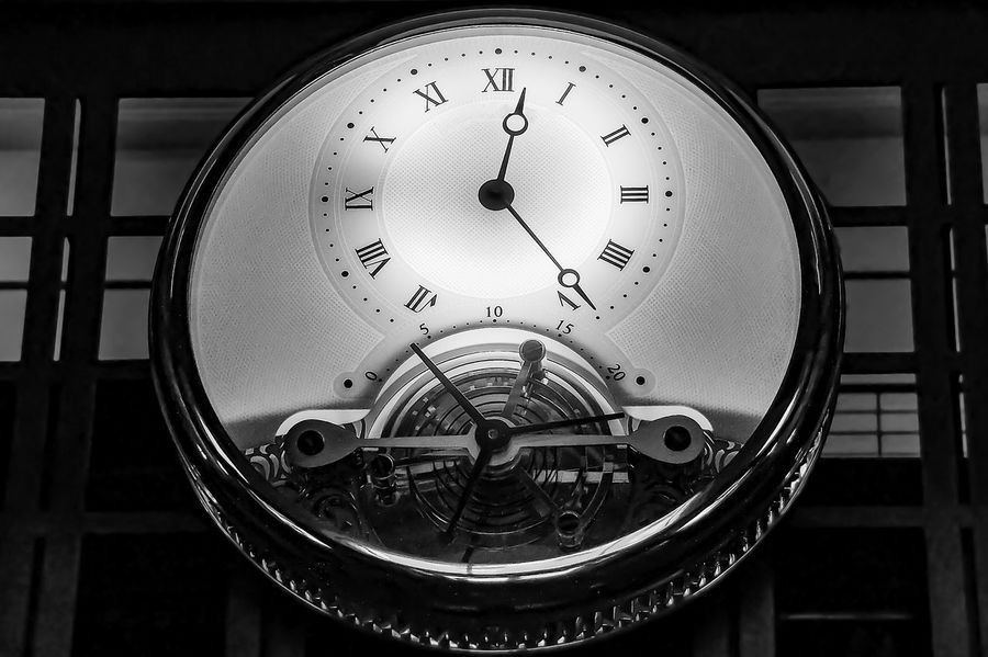 A clock bigger than a human being EyeEm Selects EyeEmNewHere New York Ornament Art Black And White Blackandwhite Clock Clock Face Clockwise Clockworks Close-up Day Decoration Enlightened Indoors  Low Angle View Minute Hand No People Roman Numeral Technology Time Time To Reflect Watch Hands