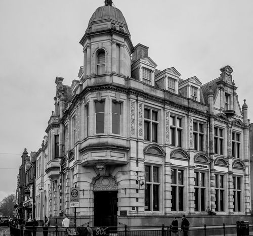 Lloyds Bank, corner of Regent Street and Church Street, Rugby, Warwickshire FUJIFILM X-T10 Warwickshire Rugby Rugbytown Black And White Monochrome Architecture Bank Banksy