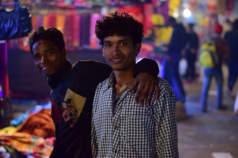 Market place dudes!! Swarna Deepak Photography Nikond5300 Delhi Street Life Street Photography Wandering Around Aimlessly Dslr Nikon Mybestphotography
